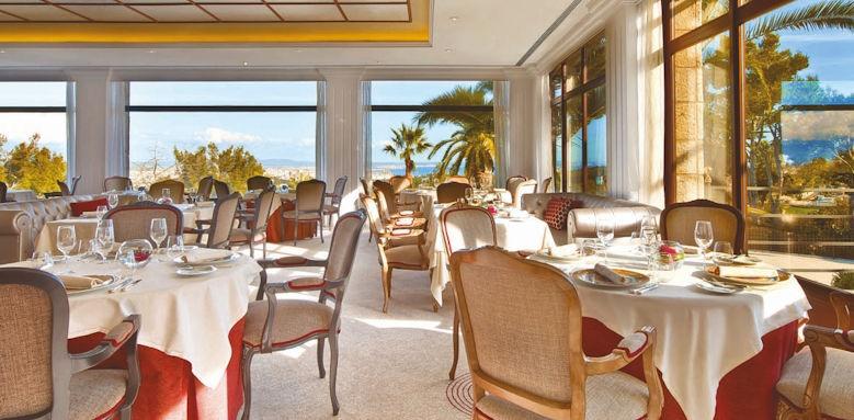 Castillo Son Vida, Es Castell restaurant