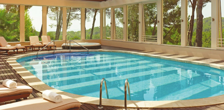 Castillo Son Vida, indoor pool