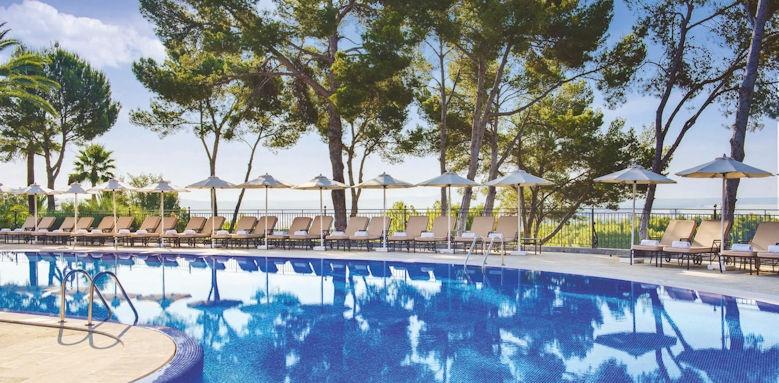 Castillo Son Vida, pool
