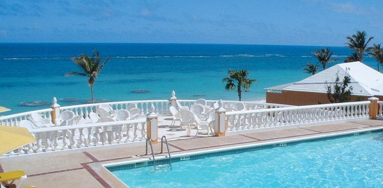 Coco Reef, outdoor pool
