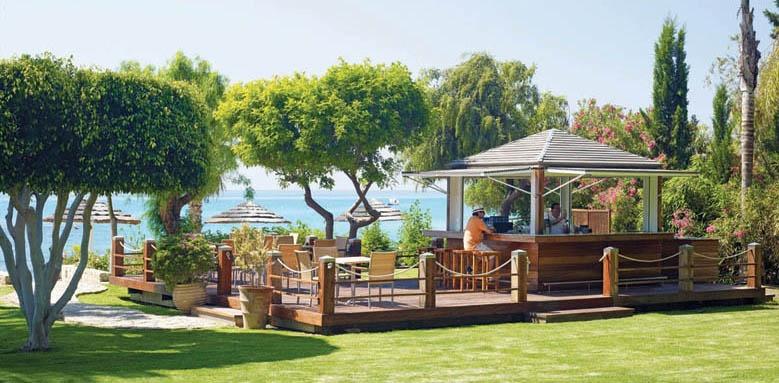 Columbia Beach Resort, beach bar
