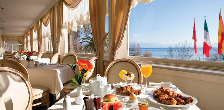 Corfu Palace, breakfast