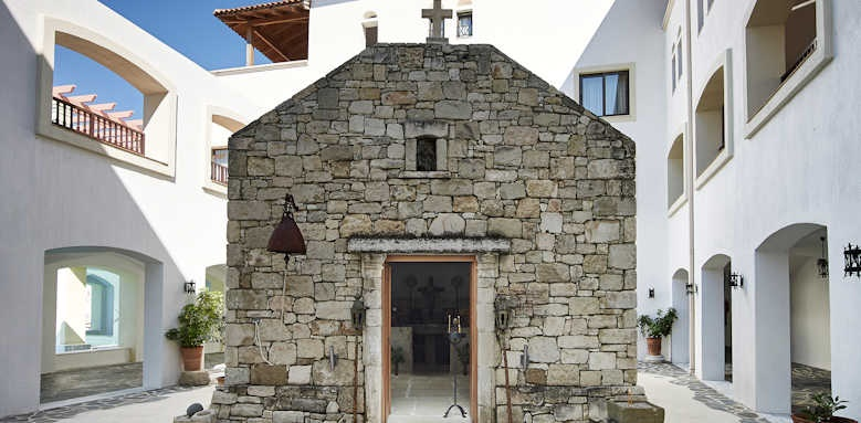 Creta Maris Beach Resort, Trinity church