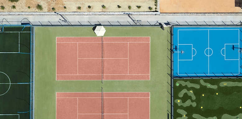Creta Maris Beach Resort, tennis courts