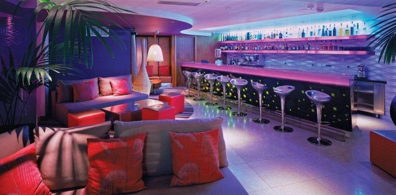 Adriana Hvar Marina Hotel & Spa, lobby bar