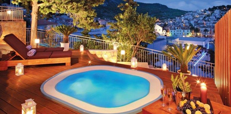 Adriana Hvar Marina Hotel & Spa, outdoor jacuzzi