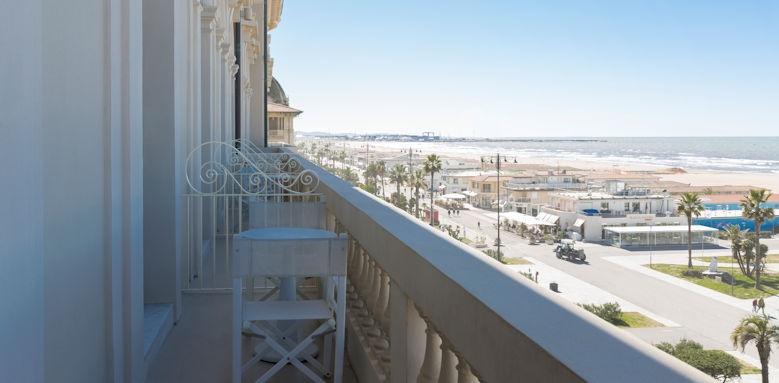 Principe di Piemonte, balcony view