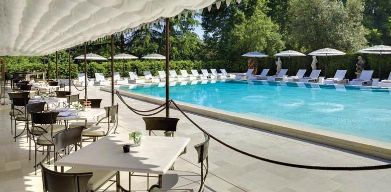 Grand Hotel Villa Cora, poolside