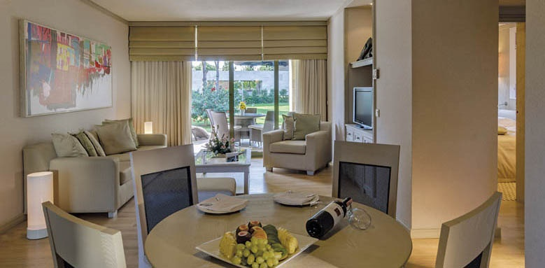 Gloria Golf Resort, villa dining area