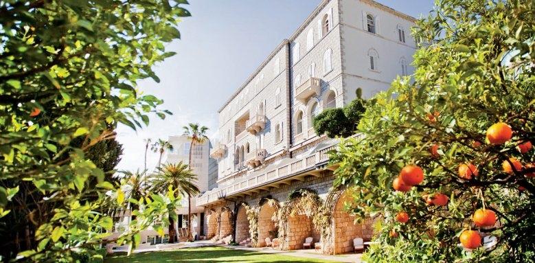 Grand Villa Argentina, exterior