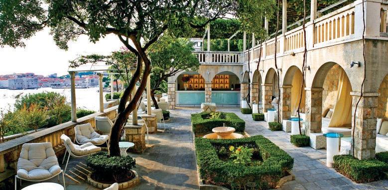 Grand Villa Argentina, terrace gardens