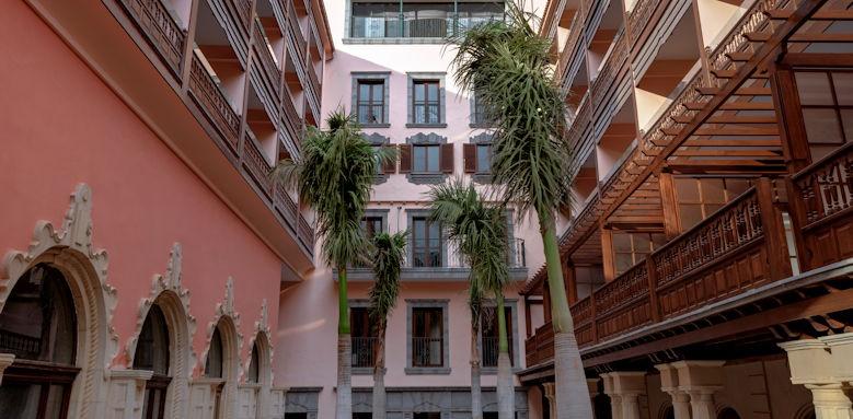 Santa Catalina, hotel