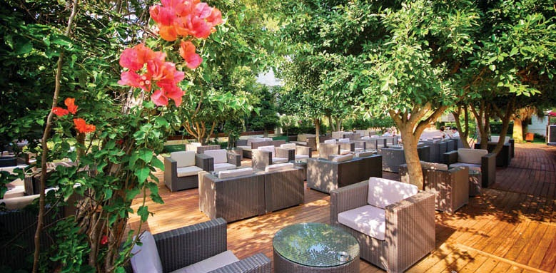 Gloria Serenity Resort, lobby bar