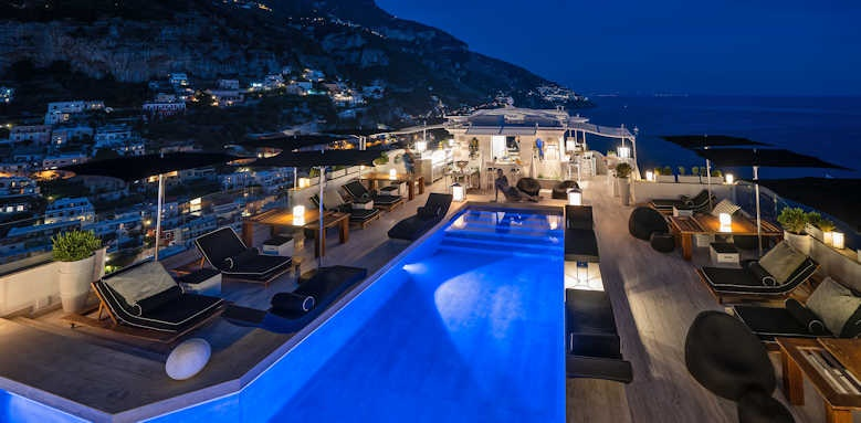 Hotel Villa Franca, night view
