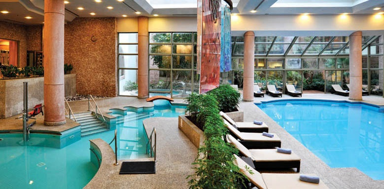 Gloria Verde Resort, indoor pool