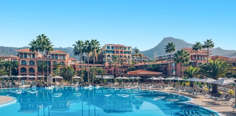 Iberostar Anthelia, pool and hotel exterior