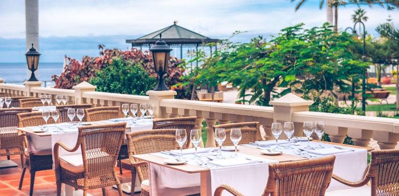 Iberostar Athelia, outside dining