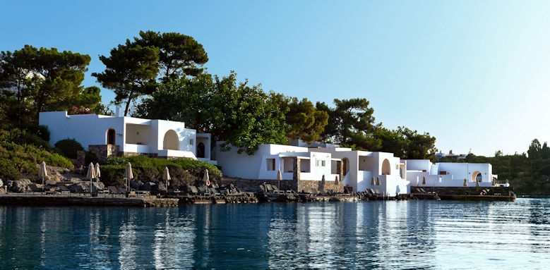 Minos Beach, waterfront views