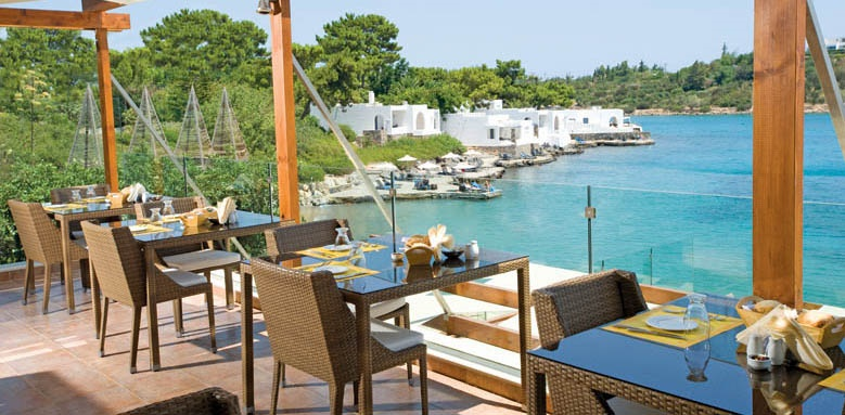 Minos Beach, Terpsis restaurant