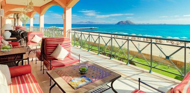 Gran Hotel Atlantis Bahia Real, El Mirador terrace