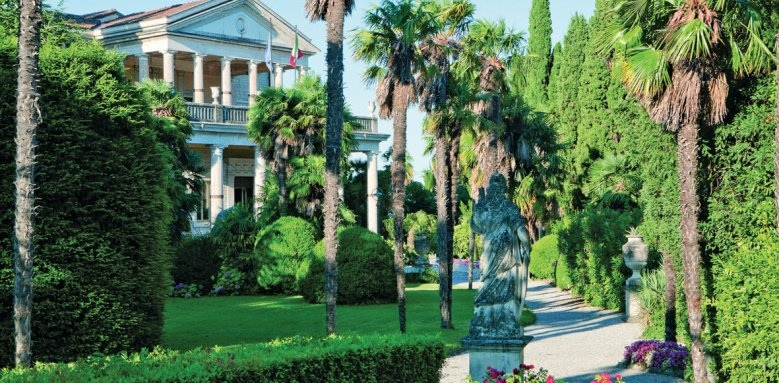 Palace Hotel Villa Cortine, facade