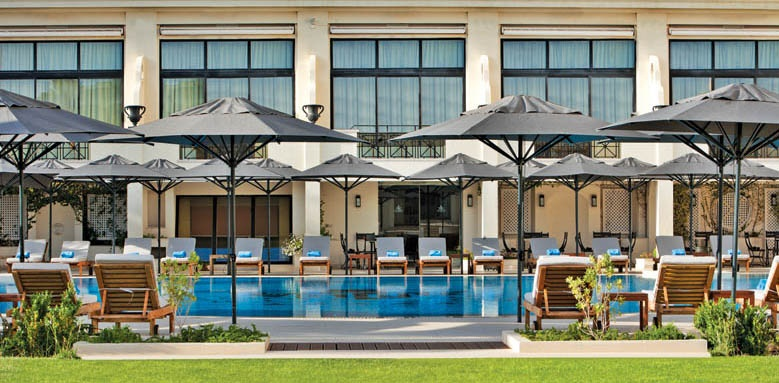 Palacio Estoril Hotel Golf & Spa, pool and loungers