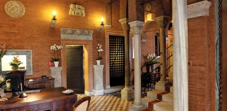 Palazzo Stern Hotel, lobby