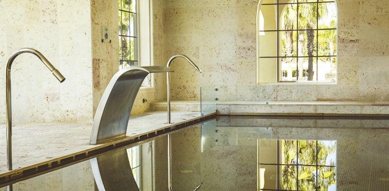 The Lake Resort, spa pool