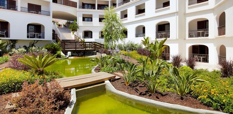 Tivoli Lagos, gardens