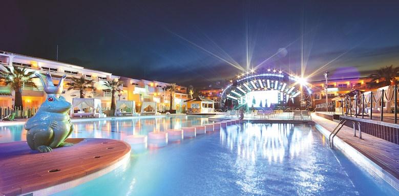ushuaia ibiza beach, party pool