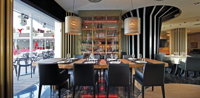 Ushuaia Ibiza Beach Hotel, montauk steakhouse