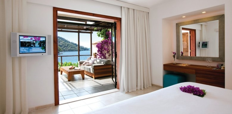 Hillside Beach Club, Category A double sea view bedroom