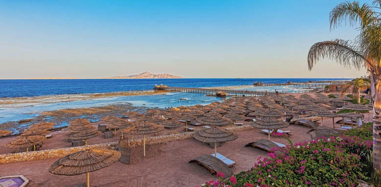 Cleopatra Luxury Resort, beach in the morning