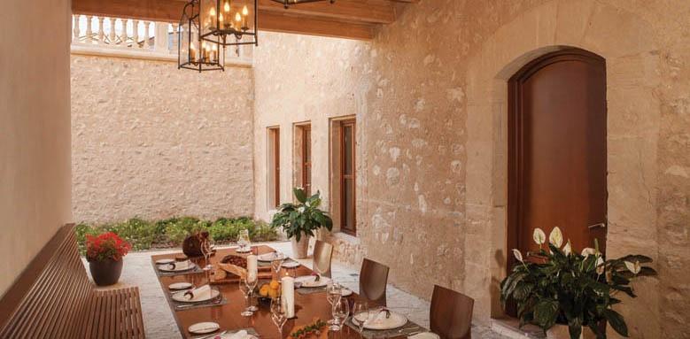 Castell Son Claret, Sa Tofana patio
