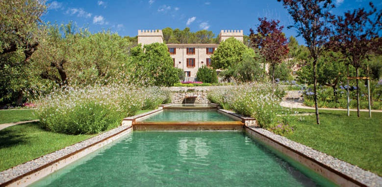 Castell Son Claret, exterior & pool