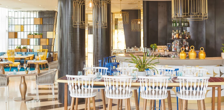 aguas de ibiza, albastro restaurant
