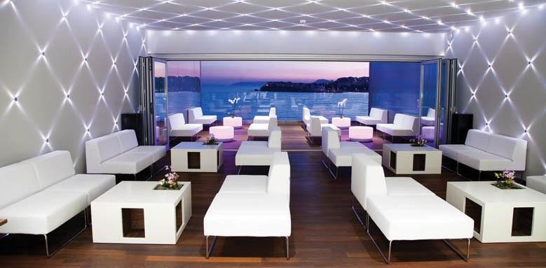 Split, lobby bar