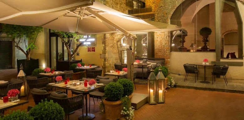 Brunelleschi Hotel, patio