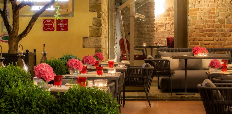 Hotel Brunelleschi, Seasonal outdoor patio