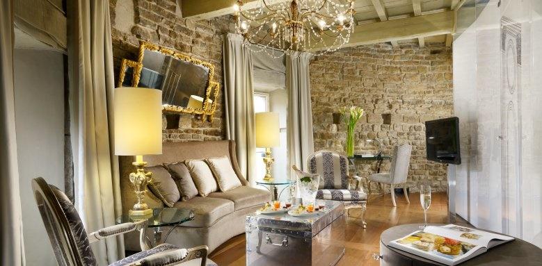 Hotel Brunelleschi, tower suite living