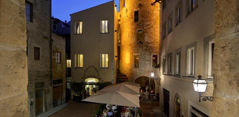 Brunelleschi Hotel, facade