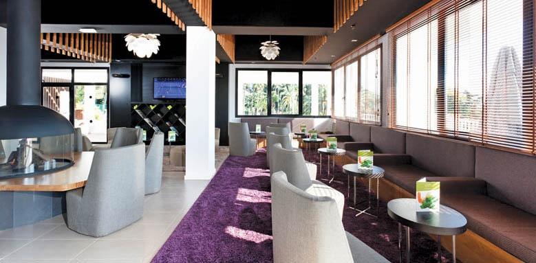 Don Carlos Leisure Resort, tennis club bar