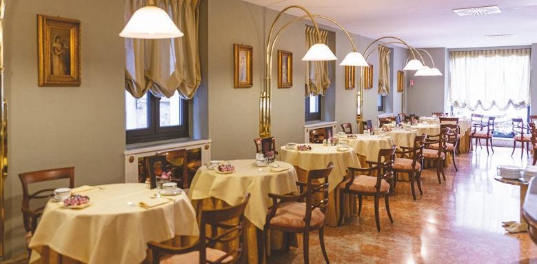 Due Torri, breakfast room