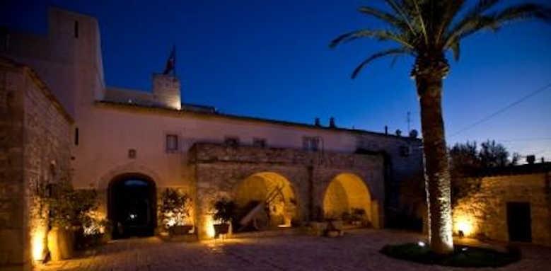 Eremo Della Giubiliana, exterior view of hotel at night
