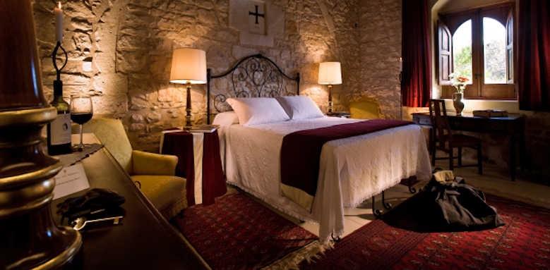 Eremo Della Giubiliana, castle room
