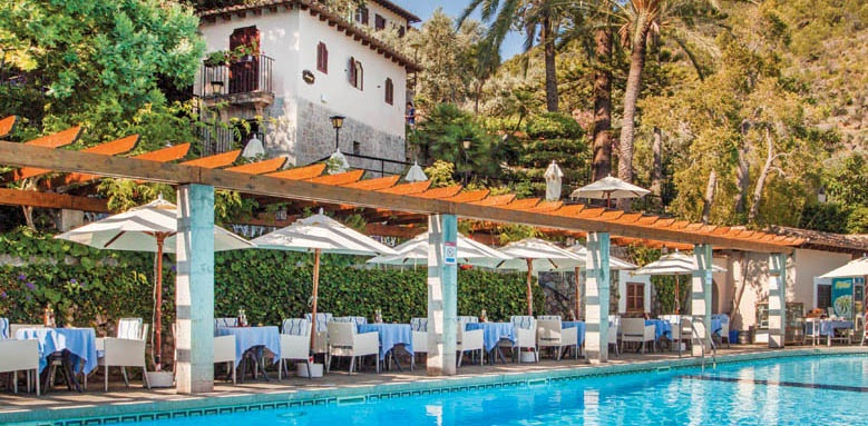 Es Moli, pool and restaurant terrace