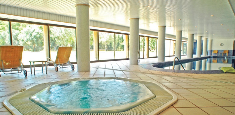 Es Port, indoor pool