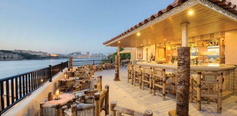 Grand Hotel Excelsior Malta, tiki bar and restaurant