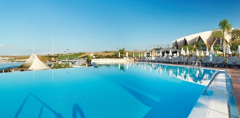 H10 Playa Meloneras Palace, infinity pool