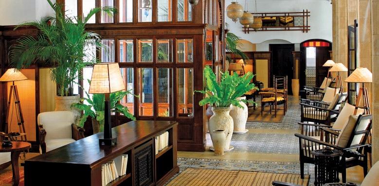 Heure Bleue Palais, lobby